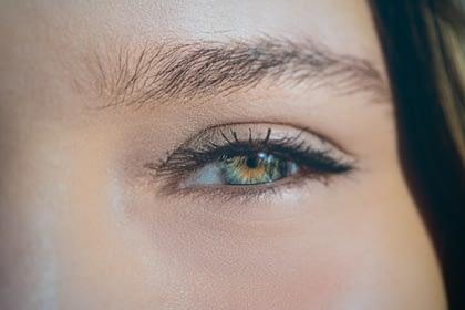 zoom in on eye