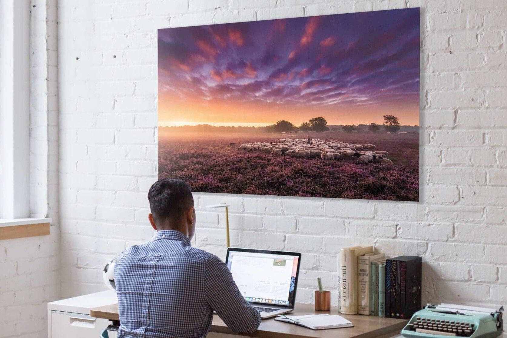 Print aan de muur op kantoor