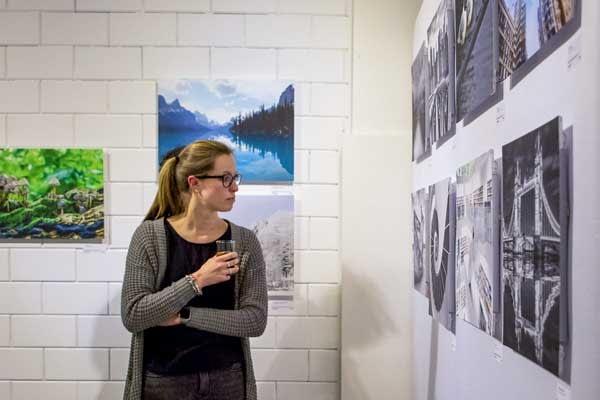 foto op de muur voor exposities en tentoonstellingen